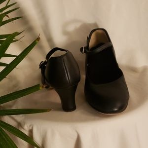 Capezio 2 inch character shoes